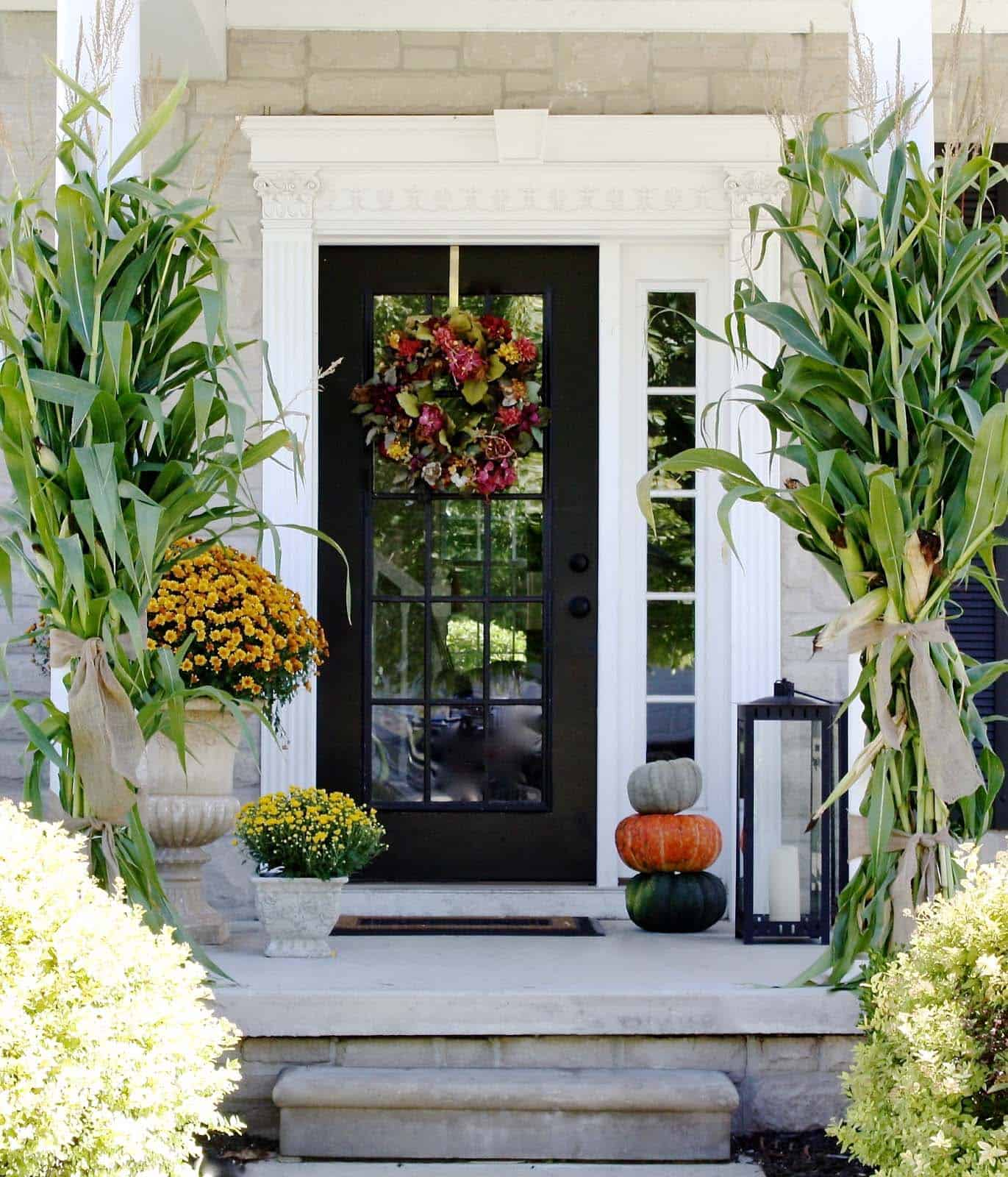 Fall Outdoor Decorating Ideas-08-1 Kindesign