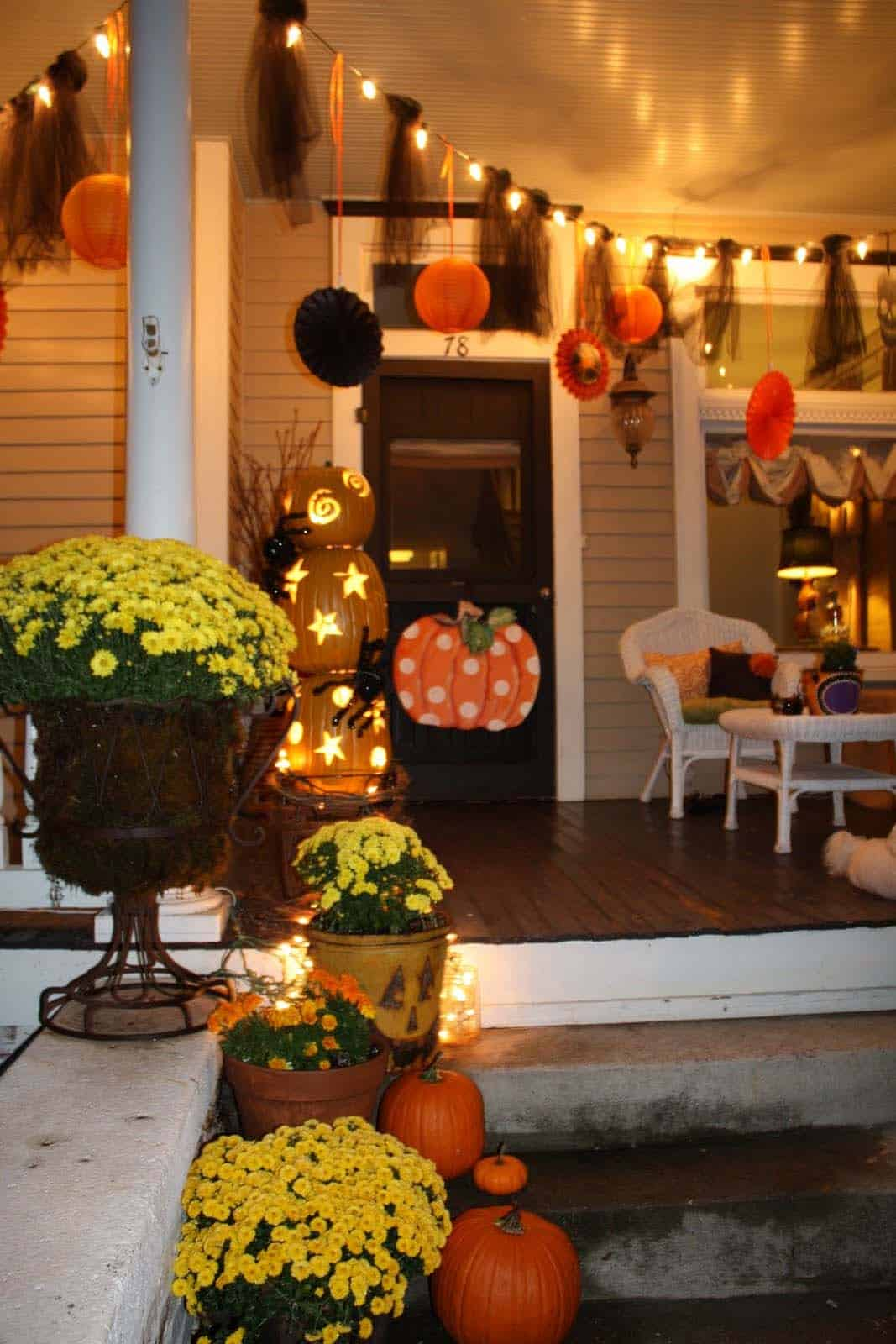 Fall Outdoor Decorating Ideas-18-1 Kindesign