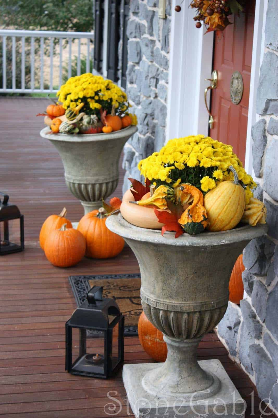 Fall Outdoor Decorating Ideas-32-1 Kindesign