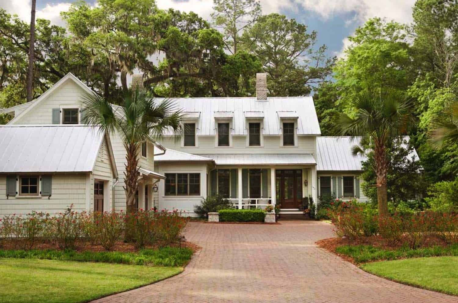 Lowcountry style home in south carolina offers gorgeous for Low country homes