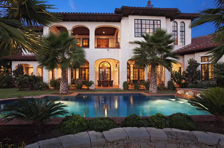 Mediterranean Style Lake House-Cornerstone Architects-02-1 Kindesign