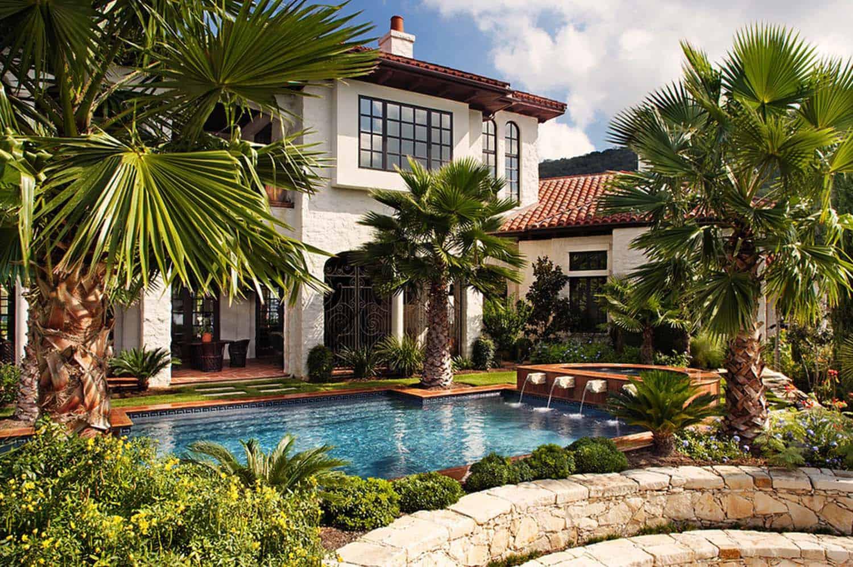 Mediterranean Style Lake House-Cornerstone Architects-04-1 Kindesign