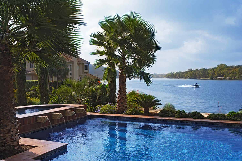 Mediterranean Style Lake House-Cornerstone Architects-06-1 Kindesign