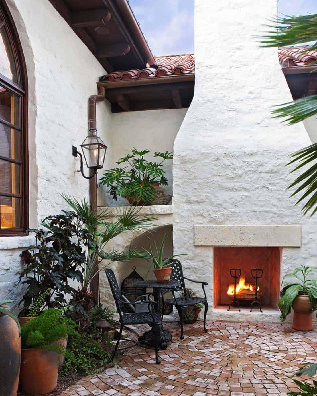 Mediterranean Style Lake House-Cornerstone Architects-10-1 Kindesign