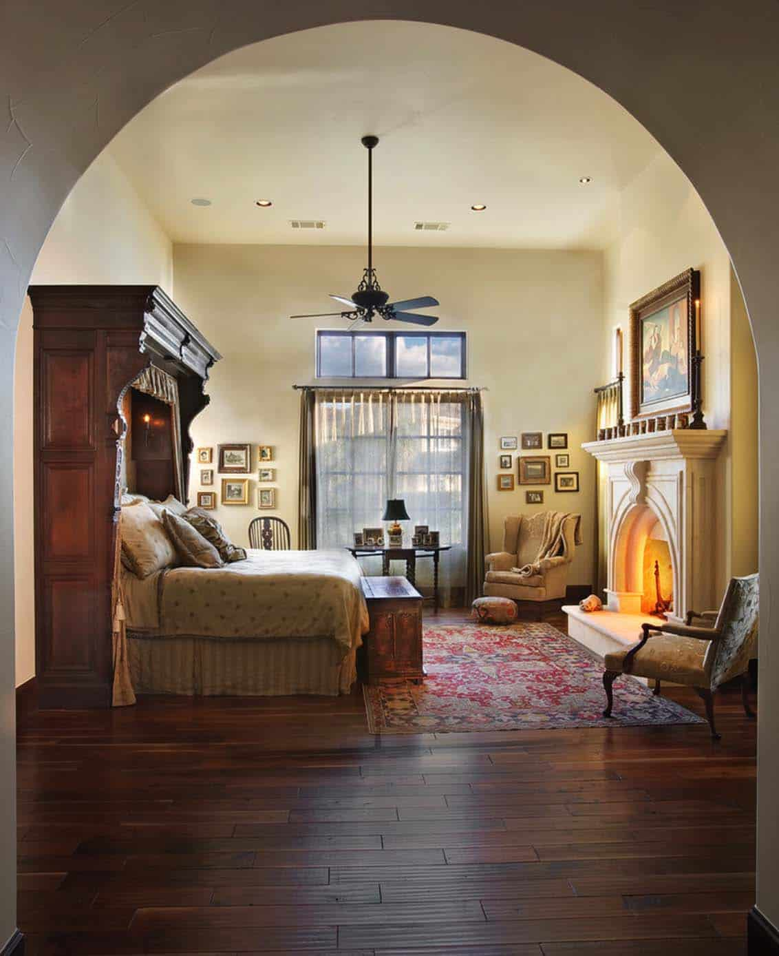 Mediterranean Style Lake House-Cornerstone Architects-16-1 Kindesign