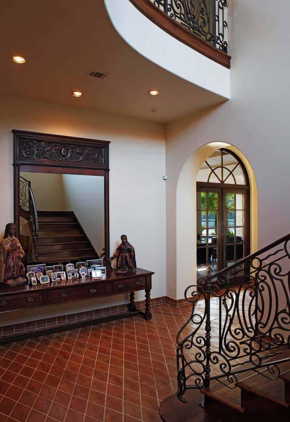 Mediterranean Style Lake House-Cornerstone Architects-21-1 Kindesign