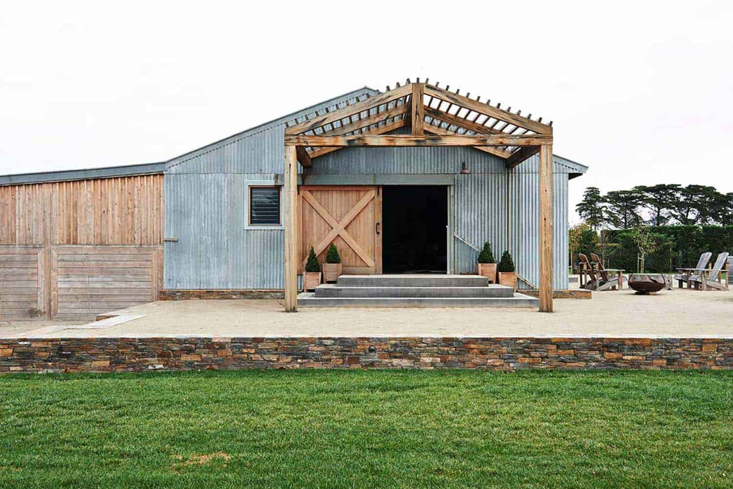 Modern Barn Conversion-Built by Wilson-11-1 Kindesign