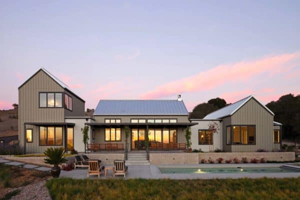 featured posts image for Sustainably designed modern farmhouse near the California coast
