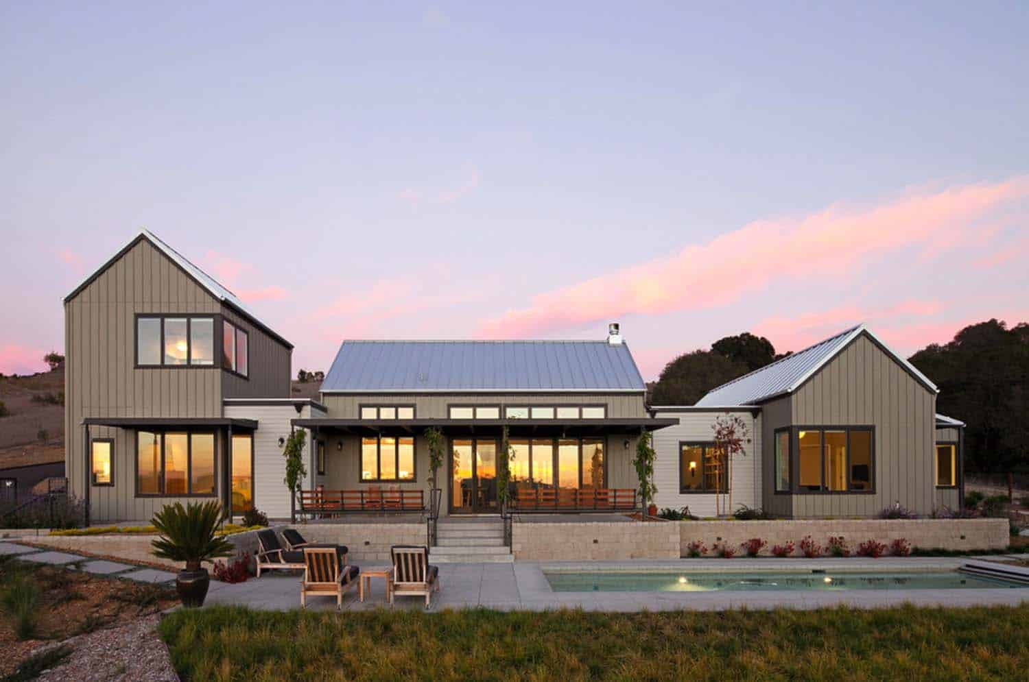 Sustainably designed modern farmhouse near the california for Modern farmhouse architecture