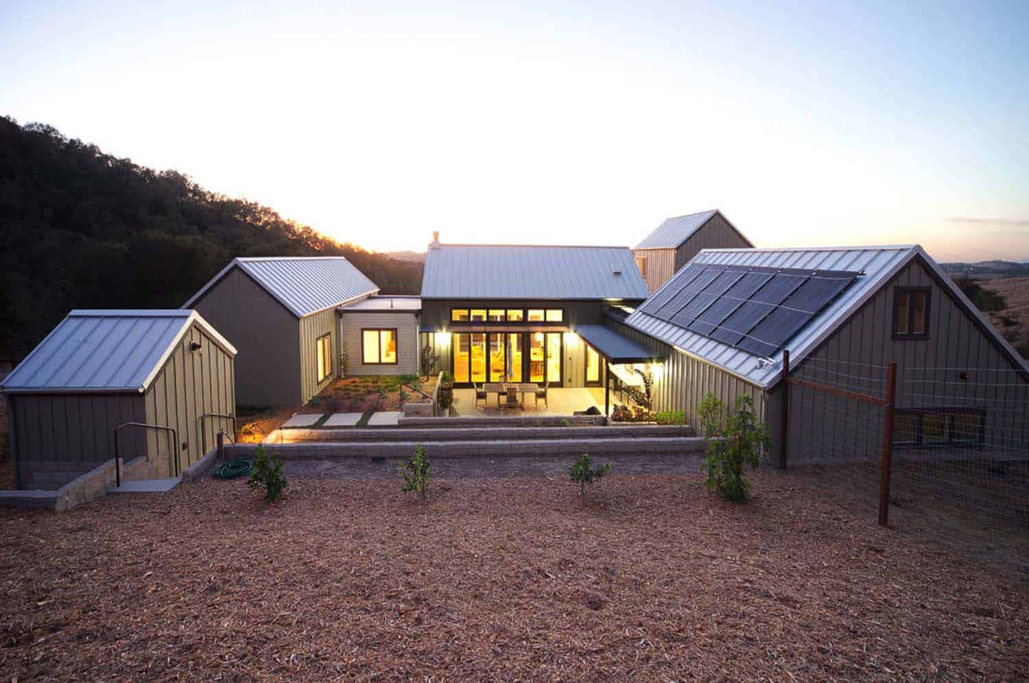 Sustainably designed modern farmhouse near the california for Architectural designs farmhouse