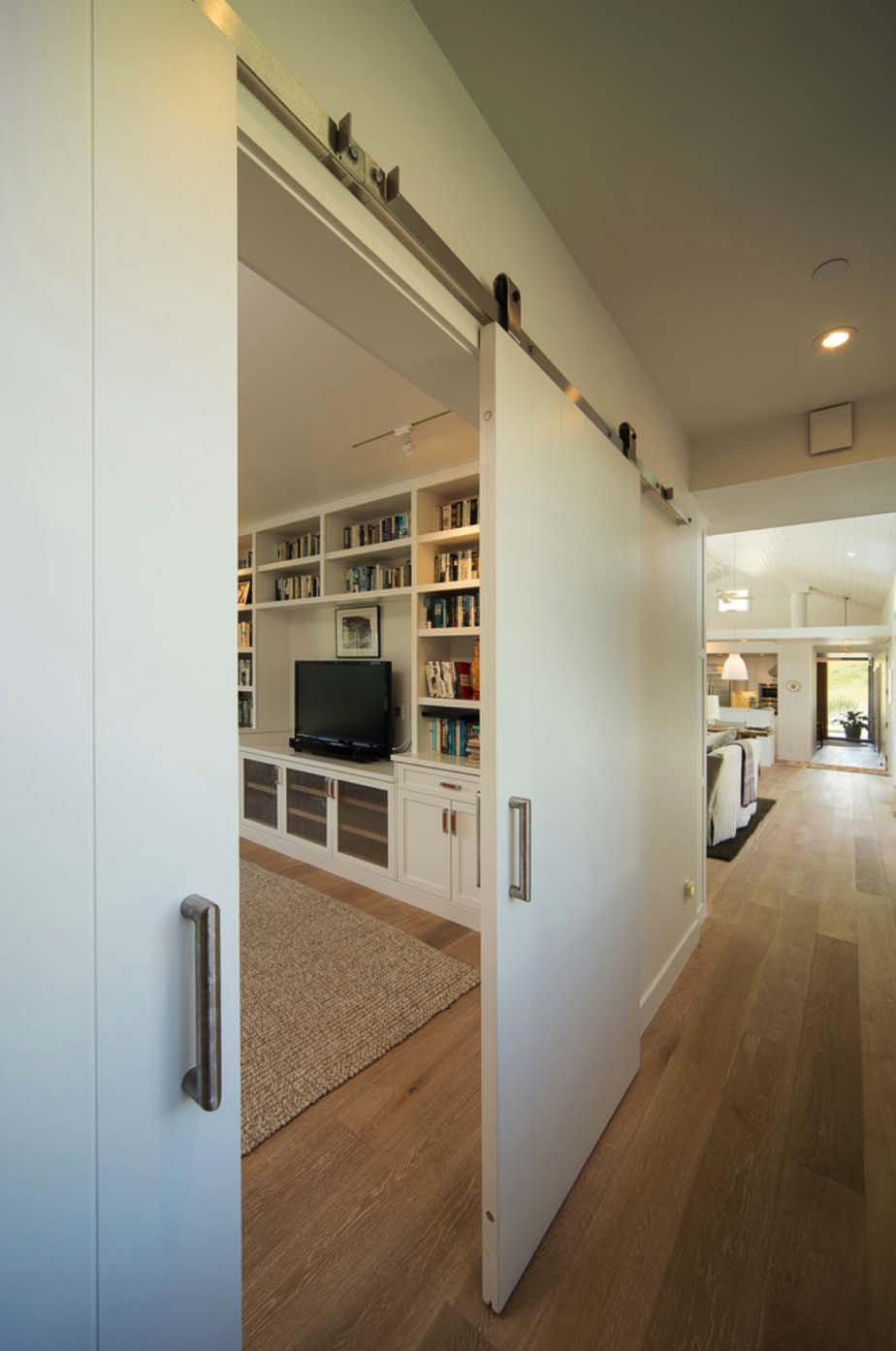 Modern Farmhouse-Gast Architects-17-1 Kindesign