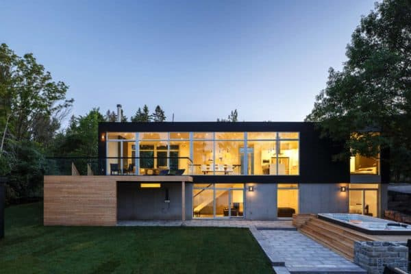 featured posts image for Walls of glass define this spectacular modern home in Canada