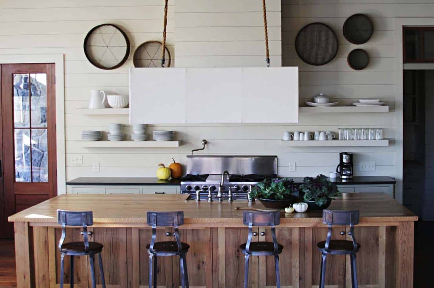 Shiplap Wall Ideas Home-04-1 Kindesign