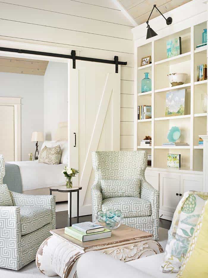 37 most beautiful examples of using shiplap in the home - Sillon estilo provenzal ...