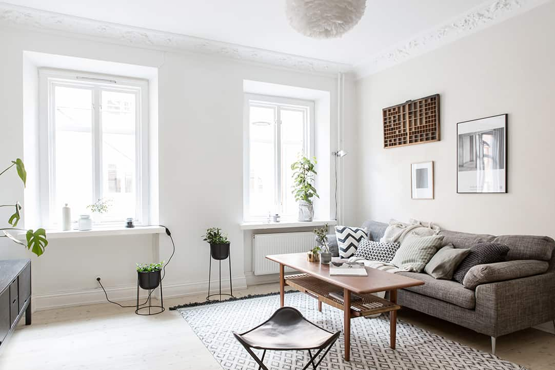 small yet ultra charming one bedroom apartment in linnestaden 17305 | small one bedroom apartment interior 08 1 kindesign