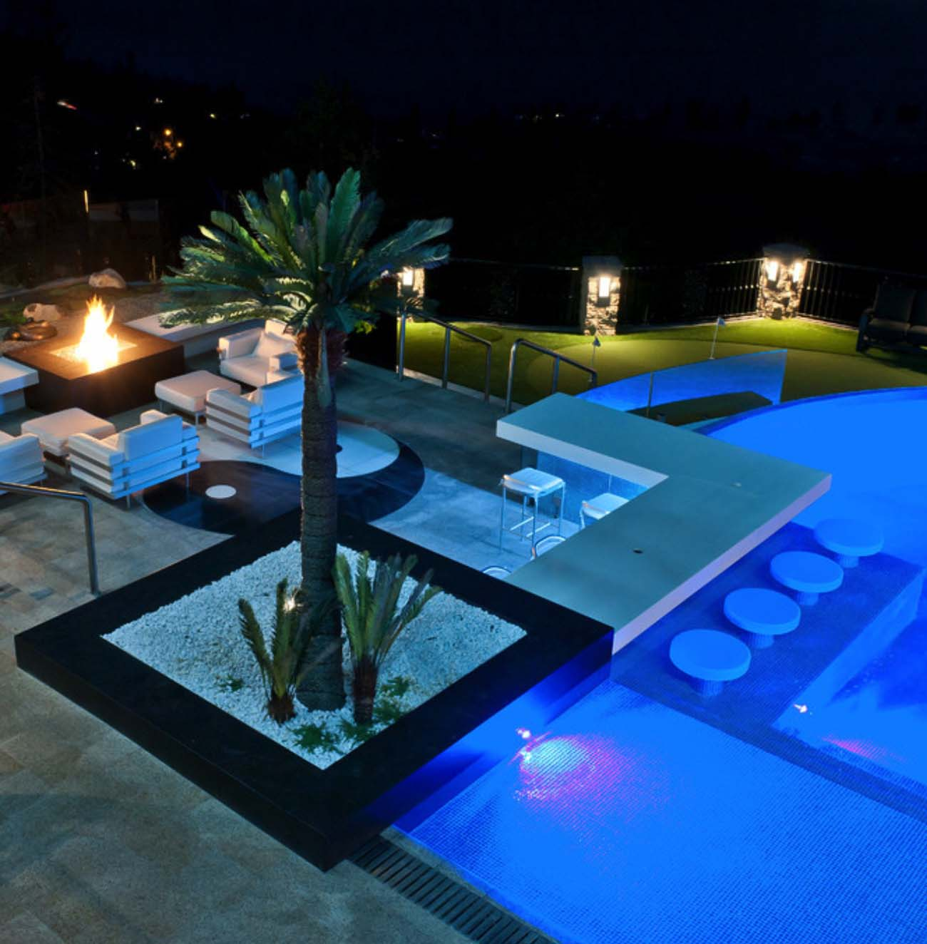 33 Mega-Impressive swim-up pool bars built for entertaining