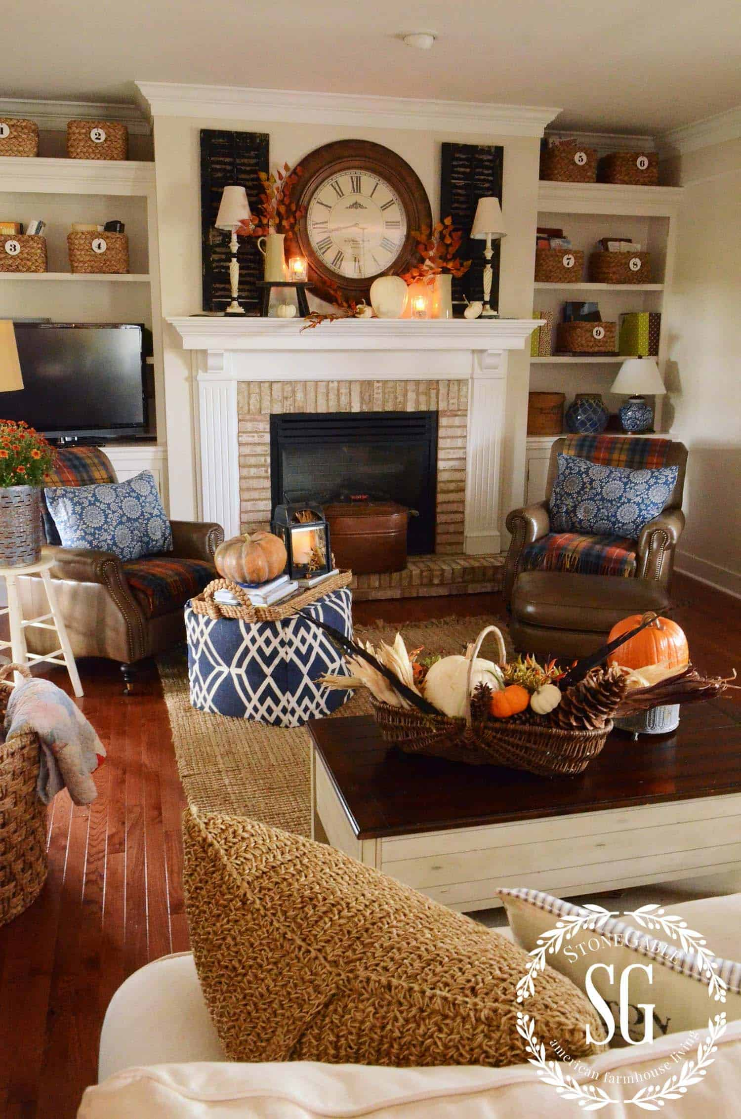 fall decorating interiors