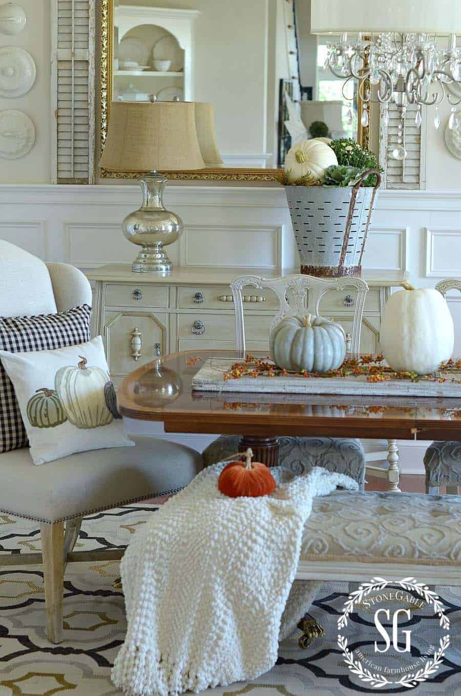 Beautiful Fall Decorating Ideas-23-1 Kindesign