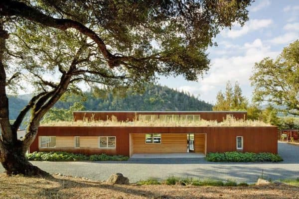featured posts image for A sustainable vineyard home in Sonoma Country surrounded by rolling hills