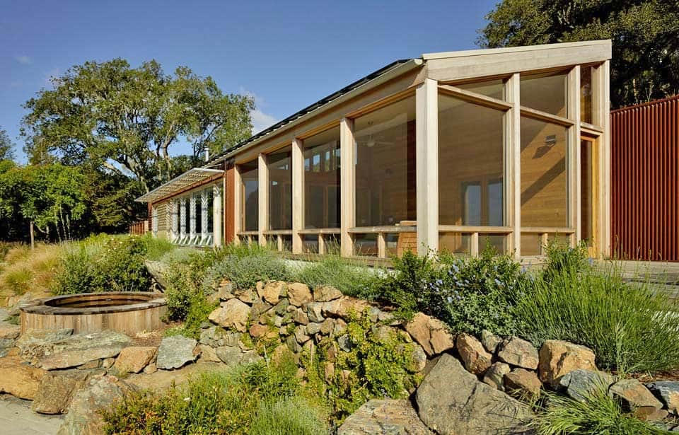 contemporary-vineyard-home-turnbull-griffin-haesloop-04-1-kindesign
