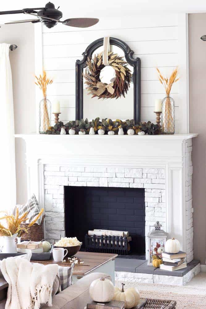 fall-decorating-ideas-fireplace-mantel-02-1-kindesign & 30+ Amazing fall decorating ideas for your fireplace mantel