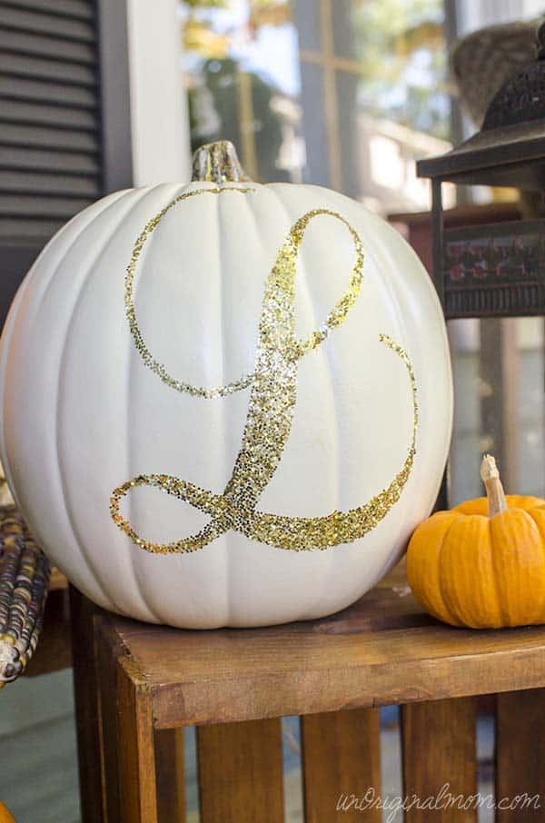 fall-decorating-ideas-white-pumpkins-07-1-kindesign