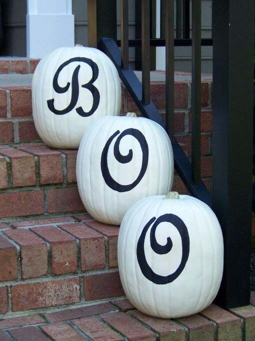 fall-decorating-ideas-white-pumpkins-09-1-kindesign