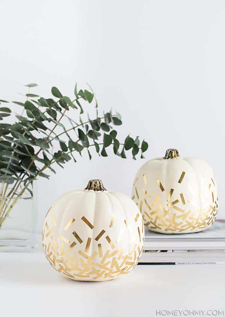 fall-decorating-ideas-white-pumpkins-15-1-kindesign