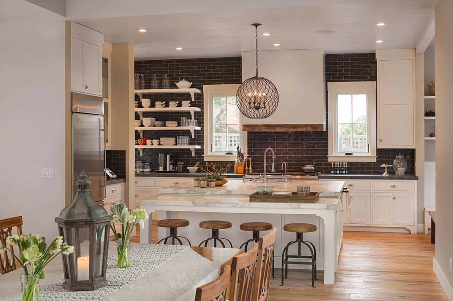 farmhouse-style-home-remodel-richardson-architects-03-1-kindesign