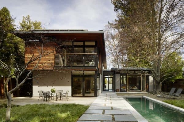 featured posts image for California LEED-Platinum home centered on three living pavilions