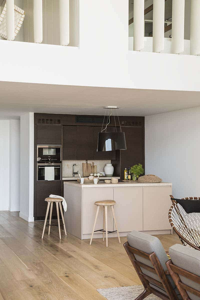 modern-home-mallorcan-coast-organic-studio-14-1-kindesign