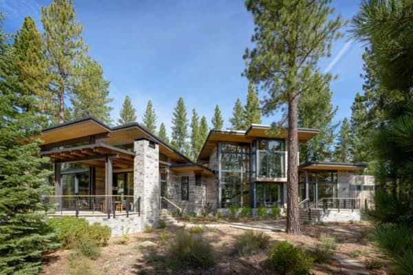 featured posts image for Breathtaking modern mountain retreat with rustic nuances in Lake Tahoe