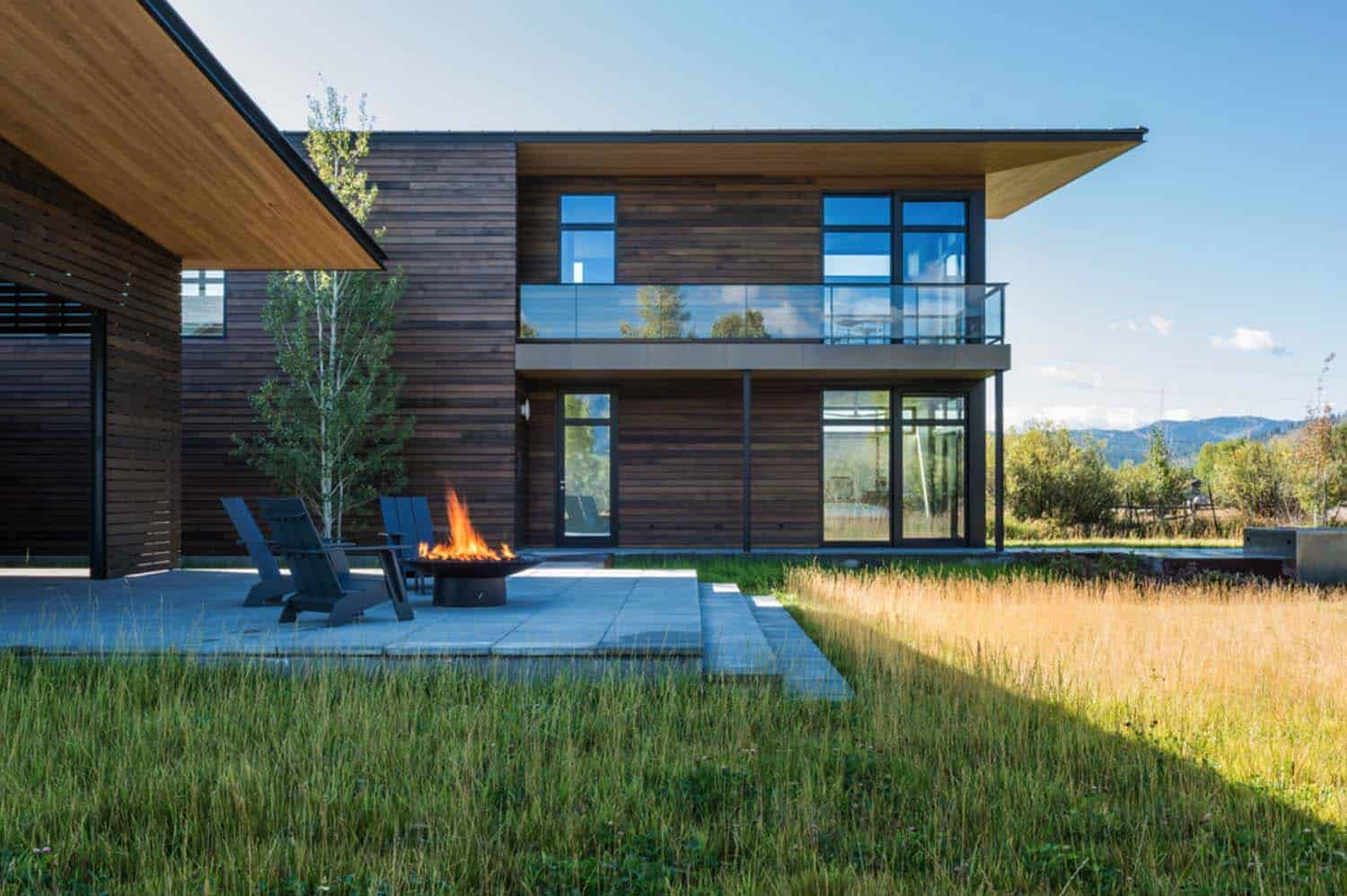 mountain-contemporary-home-carney-logan-burke-01-1-kindesign