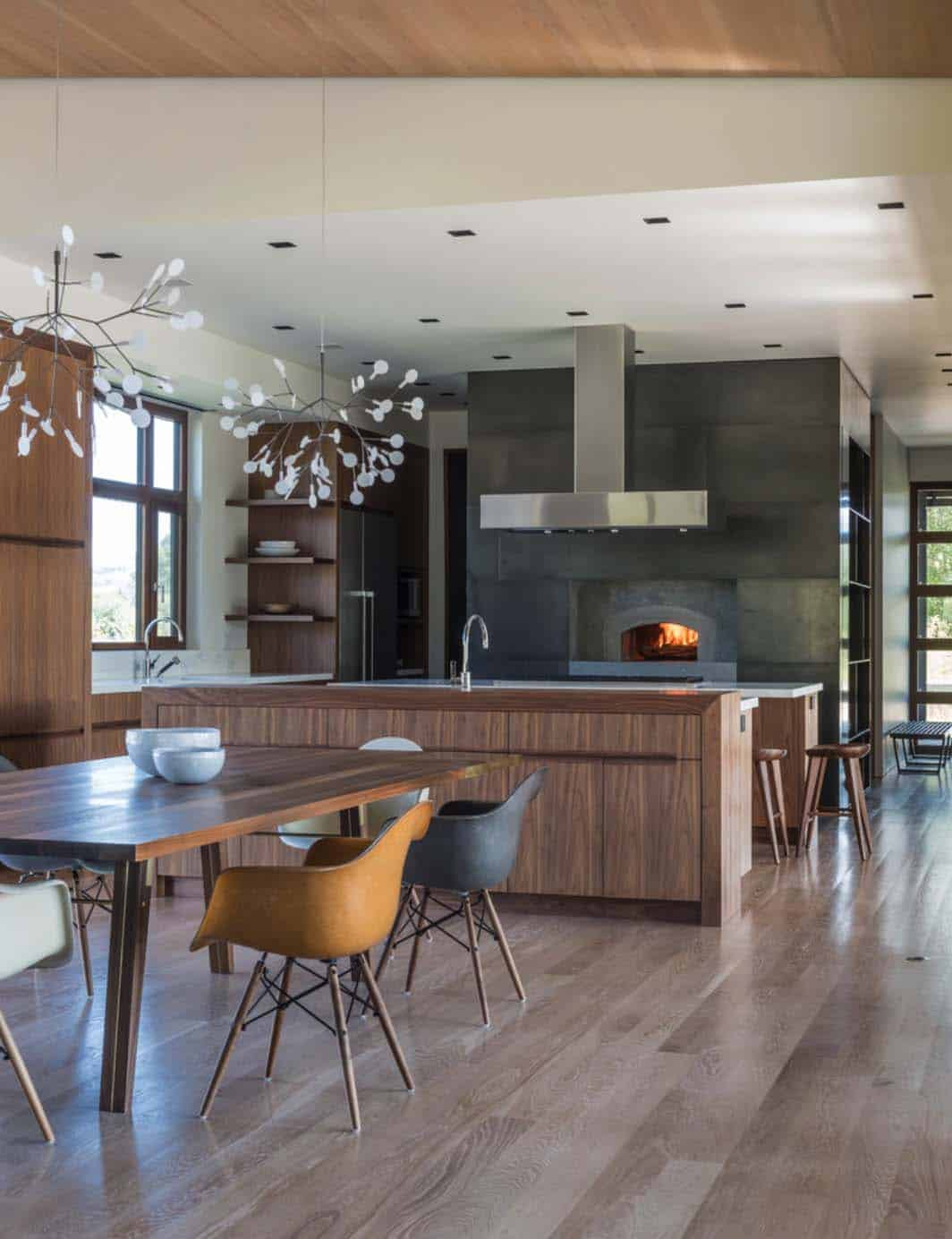 mountain-contemporary-home-carney-logan-burke-10-1-kindesign