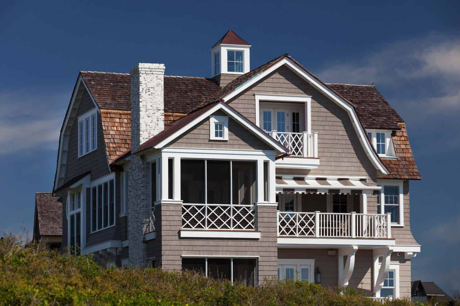 shingle-style-beach-house-ts-adams-studio-32-1-kindesgin