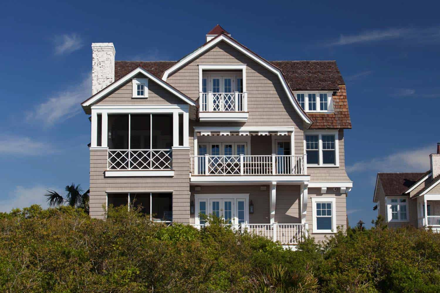 shingle-style-beach-house-ts-adams-studio-38-1-kindesgin