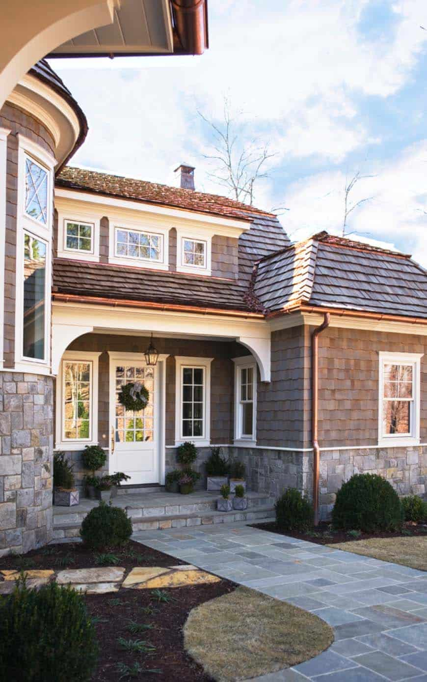 Charming shingle style cottage on lake keowee south carolina for Cottage style homes greenville sc