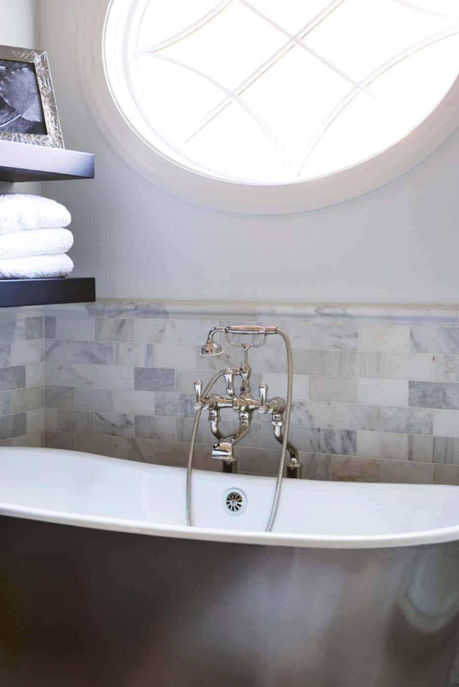 Shingle Style Cottage-Linda McDougald Design-37-1 Kindesign