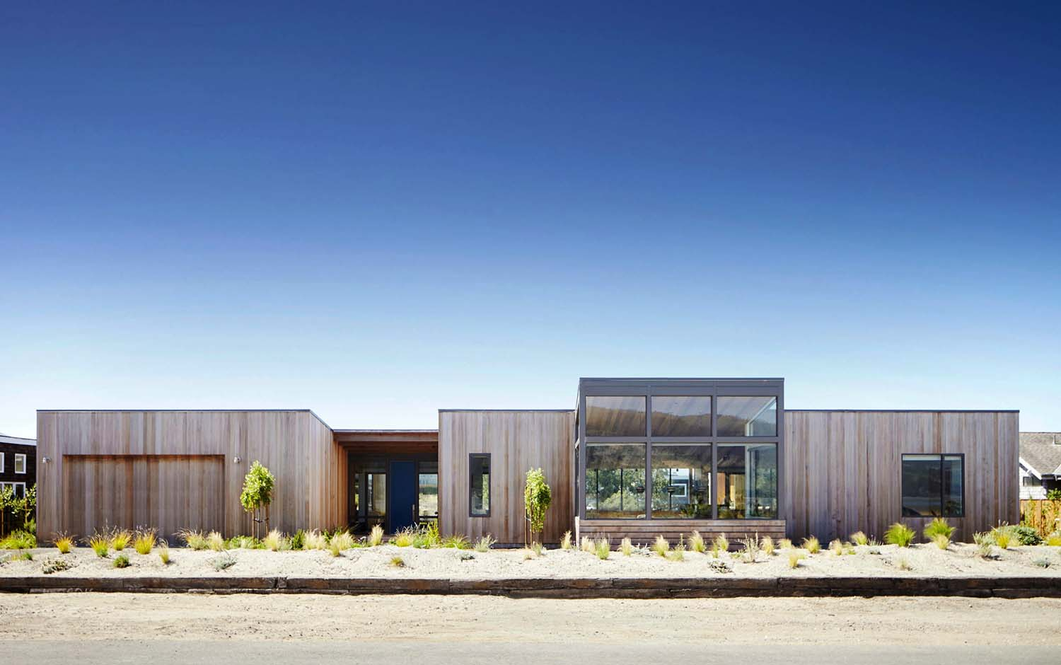 stinson-beach-lagoon-residence-turnbull-griffin-haesloop-02-1-kindesign