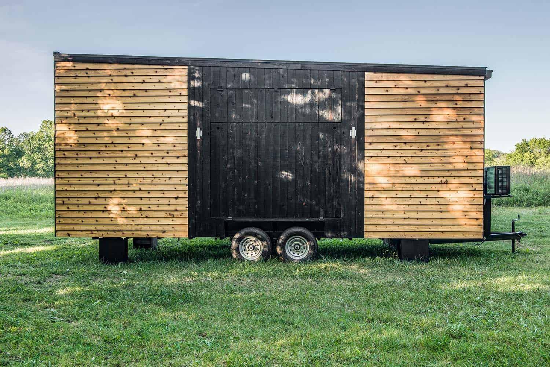 alpha-tiny-house-new-frontier-tiny-homes-07-1-kindesign