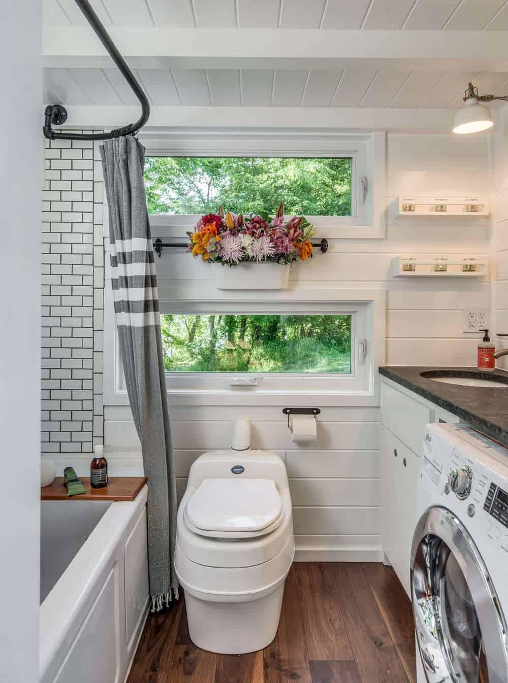 alpha-tiny-house-new-frontier-tiny-homes-29-1-kindesign