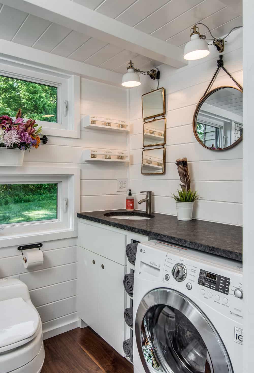 alpha-tiny-house-new-frontier-tiny-homes-30-1-kindesign