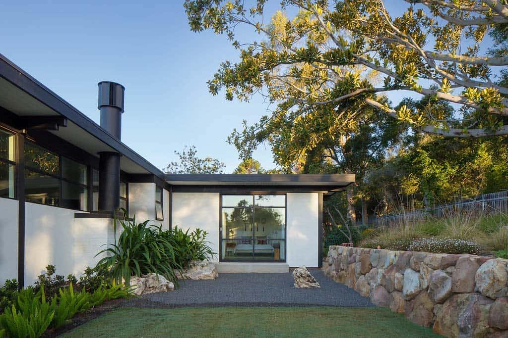 contemporary-home-design-brown-design-group-25-1-kindesign