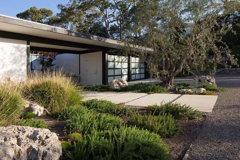 contemporary-home-design-brown-design-group-37-1-kindesign
