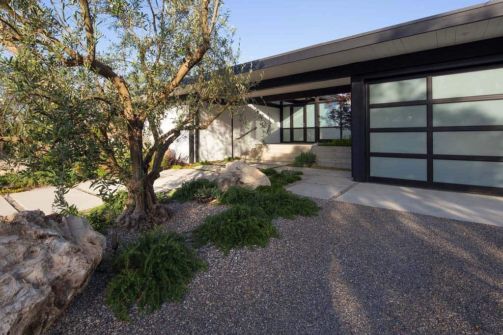 contemporary-home-design-brown-design-group-38-1-kindesign