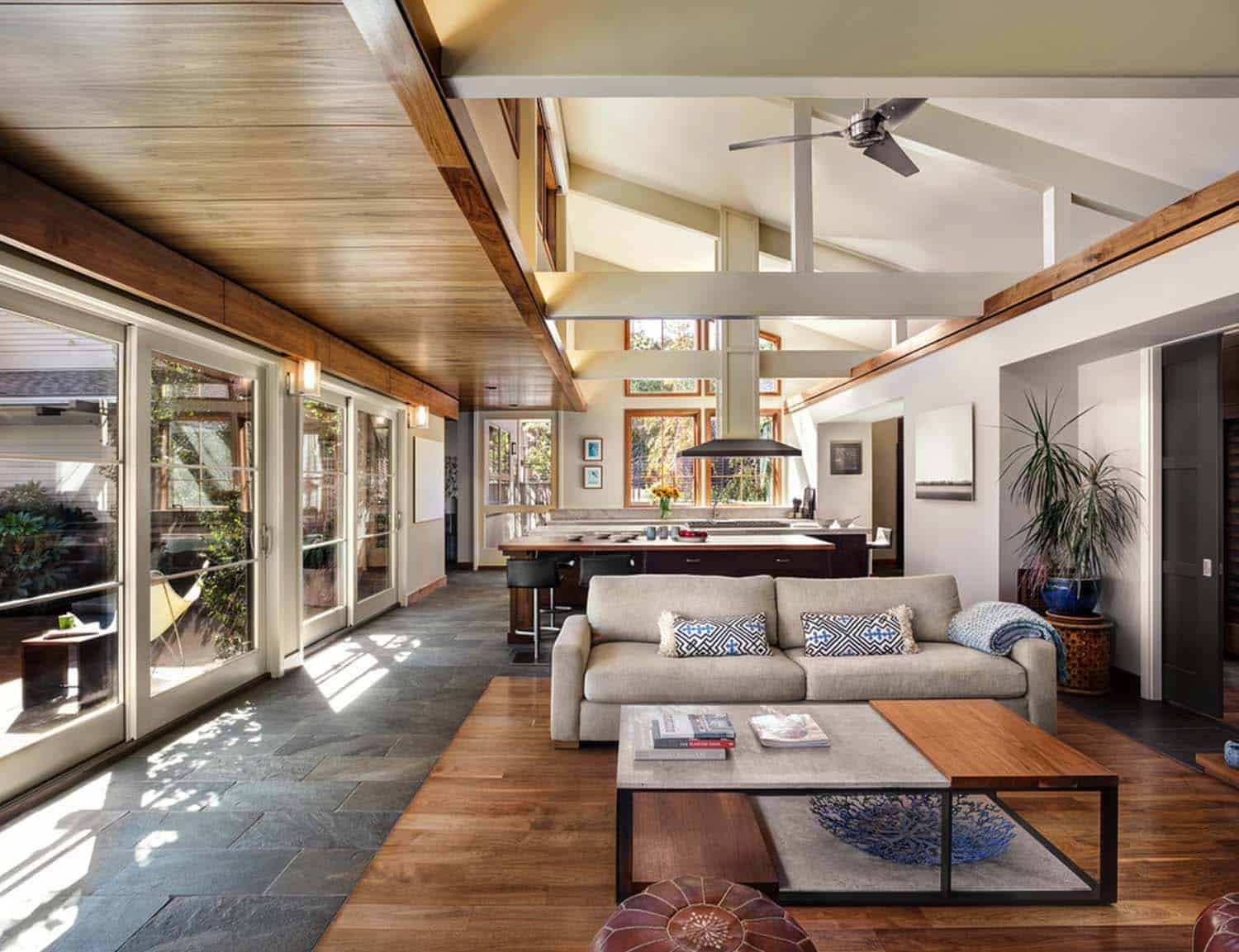 Leed platinum contemporary ranch house in northern california for Modern ranch house design