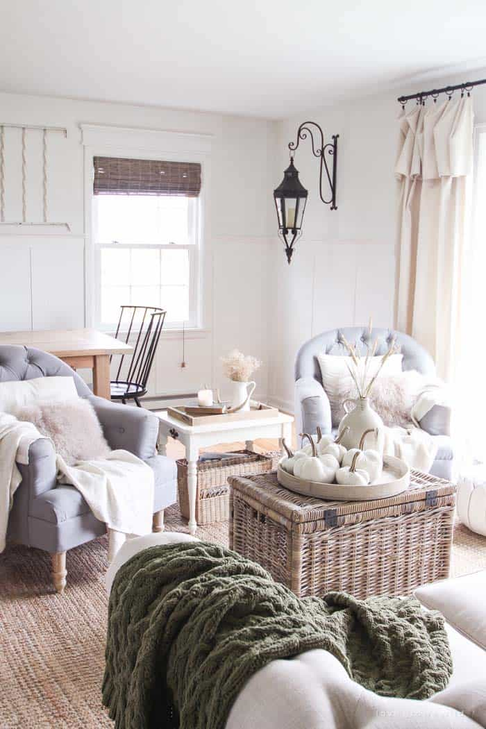 farmhouse-fall-decorating-ideas-20-1-kindesign