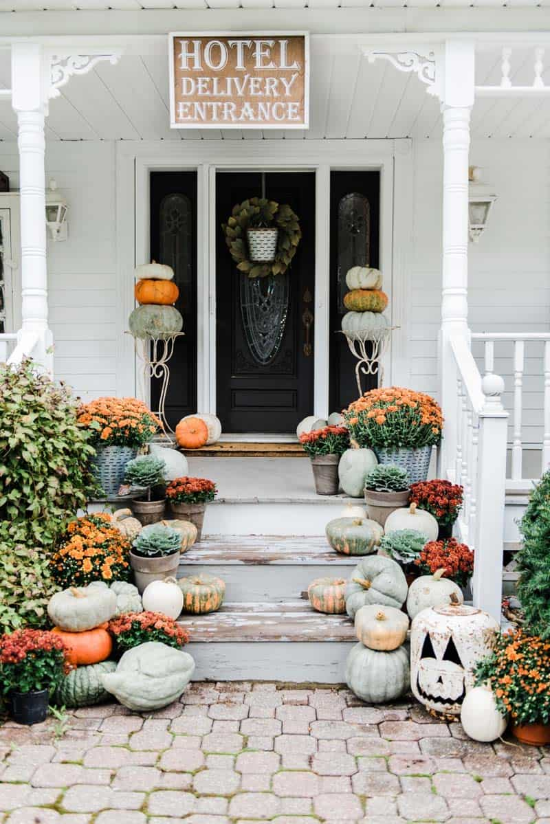 50+ Absolutely gorgeous farmhouse fall decorating ideas on Farmhouse Decorating Ideas  id=47471