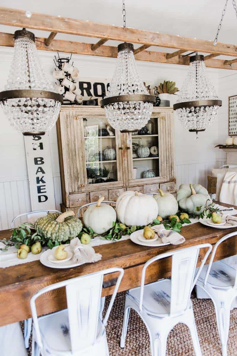 farmhouse-fall-decorating-ideas-36-1-kindesign