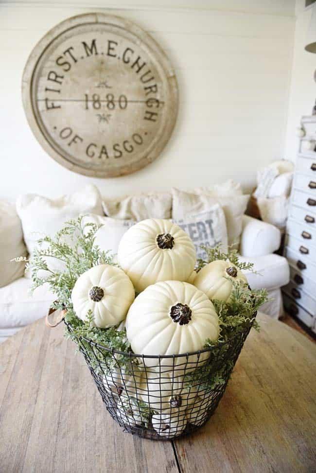 farmhouse-fall-decorating-ideas-45-1-kindesign